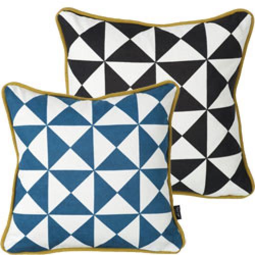 Ferm Living-schattig sierkussentje-blauw-3561